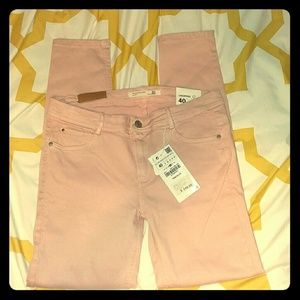 NWT Zara baby pink cropped jeans. Size 8